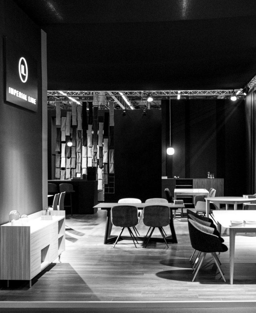 Foto dello stand in bianco e nero