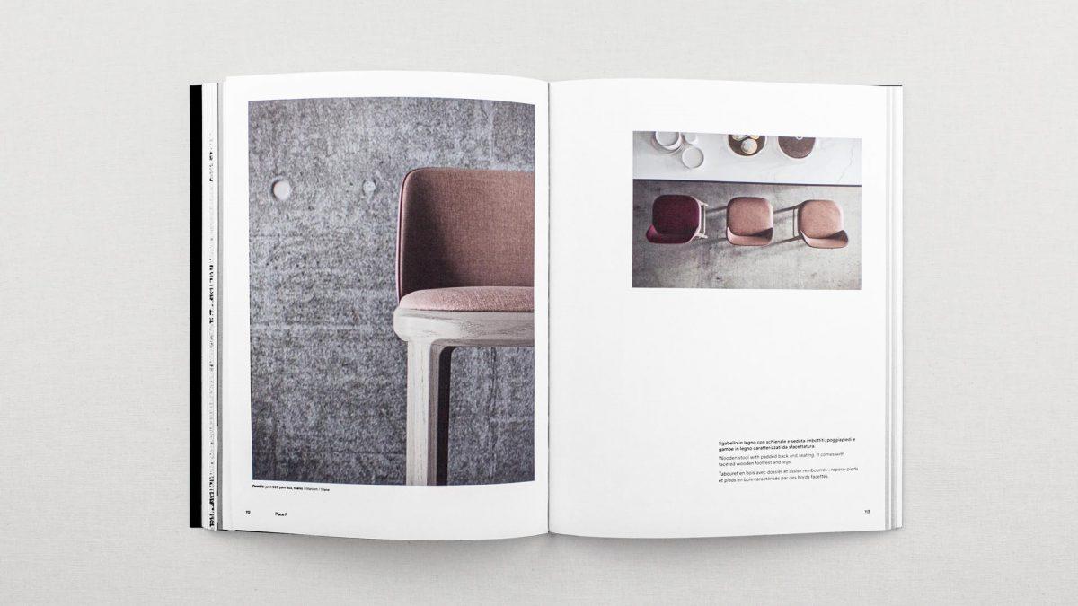 foto delle pagine interne riguardanti lo sgabello Damblé con due render, uno di dettaglio e uno zenitale