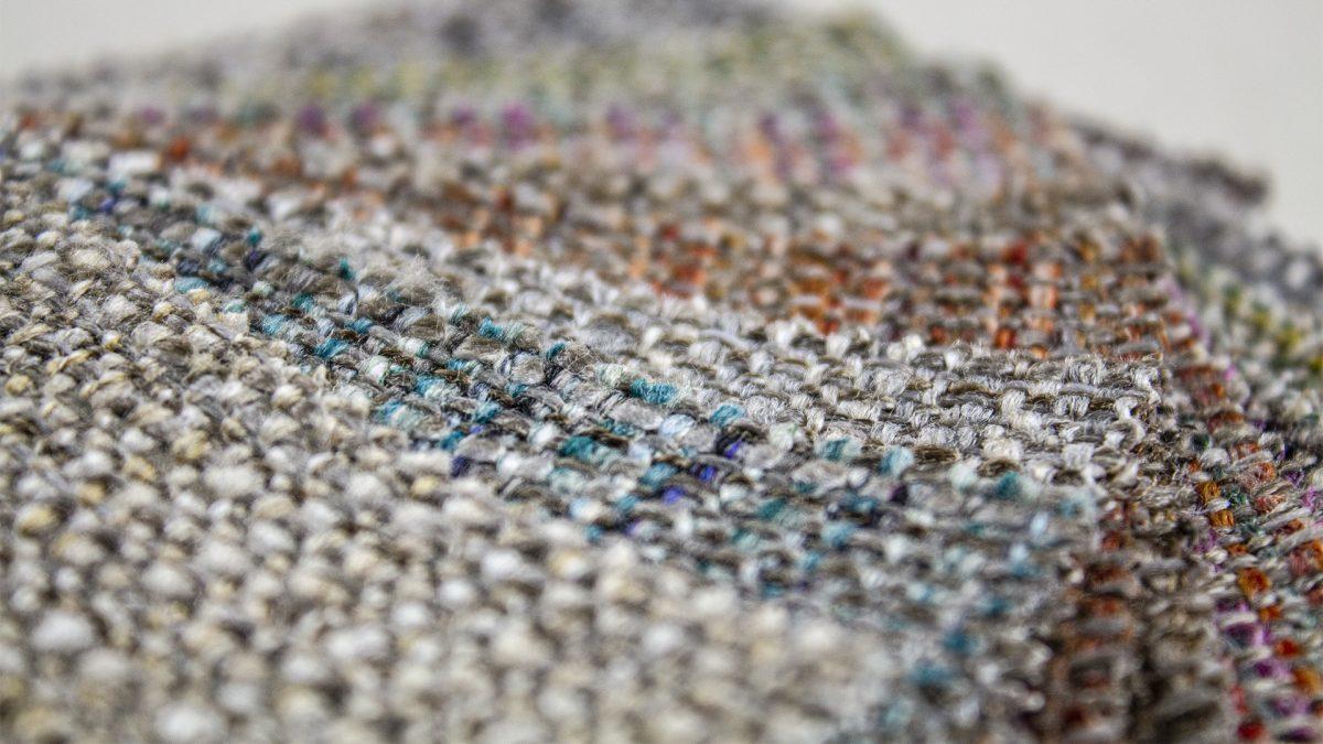Foto di dettaglio dei tessuti disposti a ventaglio
